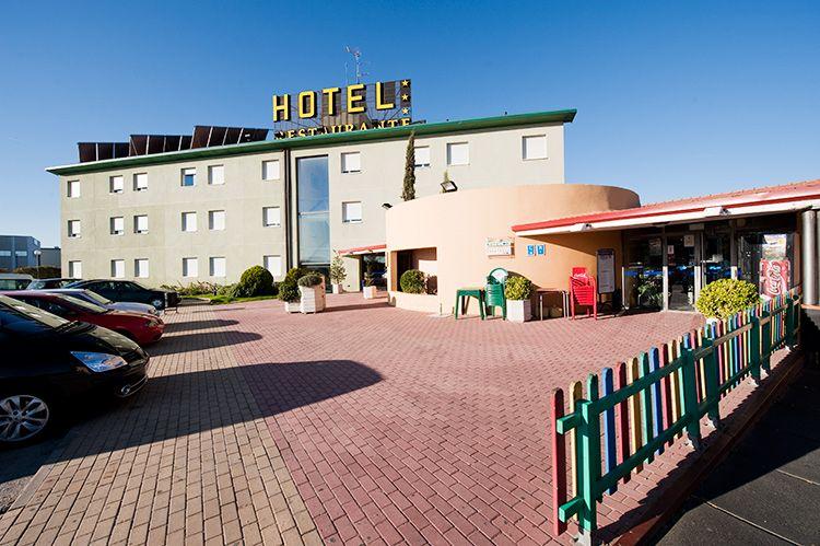 el hotel como llegar hotel en burgos hotel rey arturo